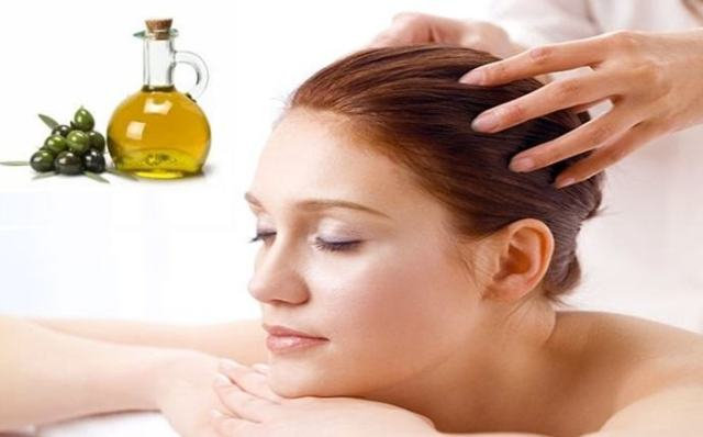 warm-olive-oil-massage-for-scalp-treatment
